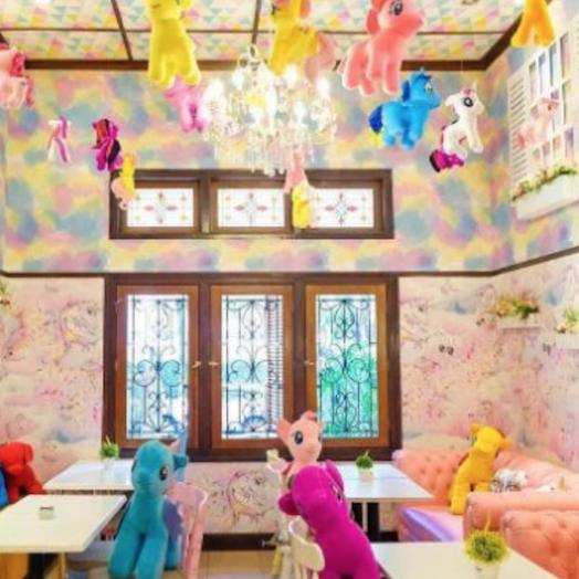 Love Uniqorn Unicorn Cafe