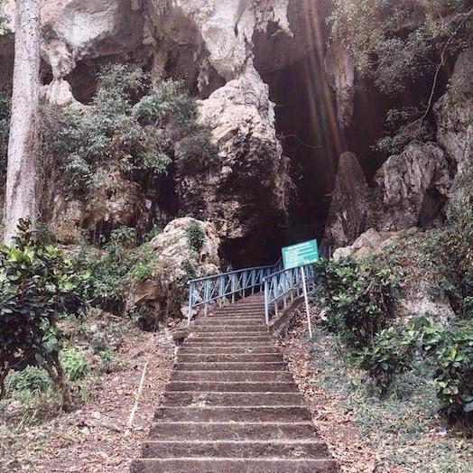 Goa Batu Hapu